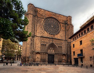 spain-barcelona-gothic-quarter-iglesia-de-santa-maria-del-pi